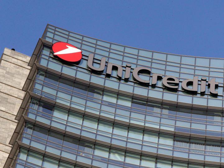 UniCredit taglia 5.500 dipendenti e 450 filiali in Italia.