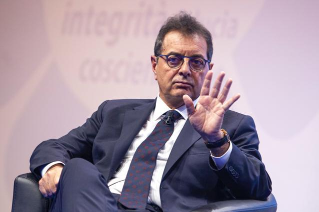 Sileoni (Fabi): «Lo scudo penale ai bancari è fondamentale per accelerare i prestiti alle imprese, non ai banchieri»